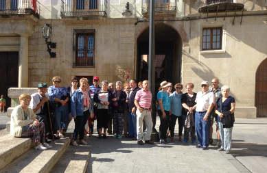 Turismo en la plaza de Caspe (Z)